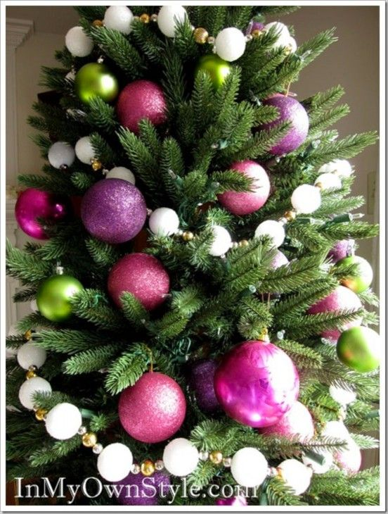 Decorating the Christmas Tree, shades with green