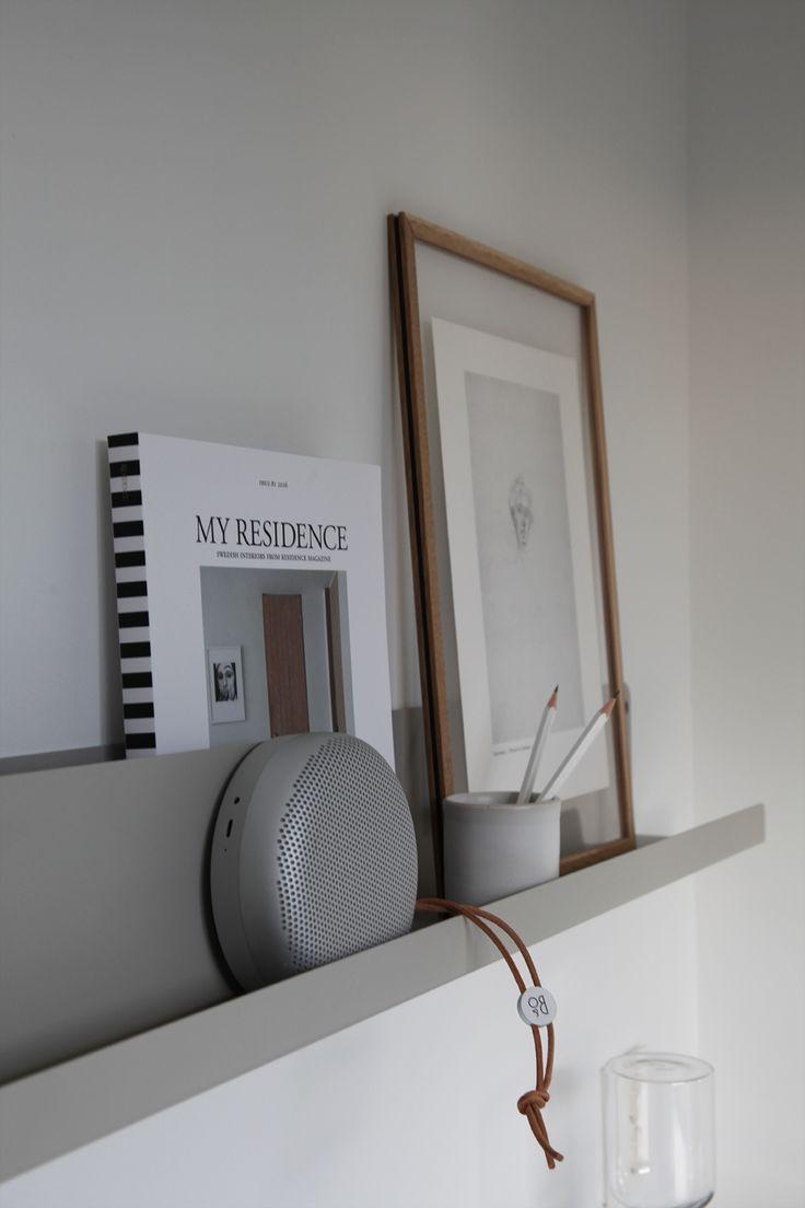 Workspace with Muuto Folded shelf © elisabeth heier