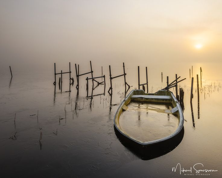 4 December 2016. Stensjön Mölndal Sweden. #mikaelsvenssonphotography #swedenimages  #naturemoments #thebestofscandinavia #sweden_photolovers #ig_mood #ig_masterpiece #water_captures #visitsweden #water_shots #superb_photos #fineart #nikonpro #igersgothenburg #ig_week_scandinavia #visitgothenburg #mittgöteborg #goteborgcom #lifeisgood #embracethemoment #mölndalsstad #mölndalsposten #mölndal