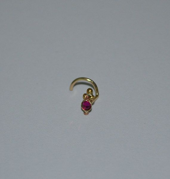 2 mm Stud nez Ruby calibre de bague de 18 nez or par BrightBDesigns