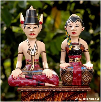 Loro Bloyo - inseparable couple sculpture - is a symbol of prosperity and harmony, #Indonesia