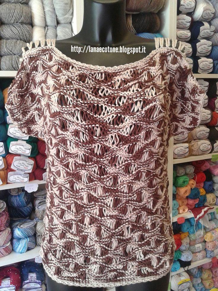 """Per questa maglia ho usato 7 gomitoli di """"Cleopatra"""" miss tricot filati (70% bambù e 30% cotone), ferri in bambù da 5mm.  Modello personal..."""