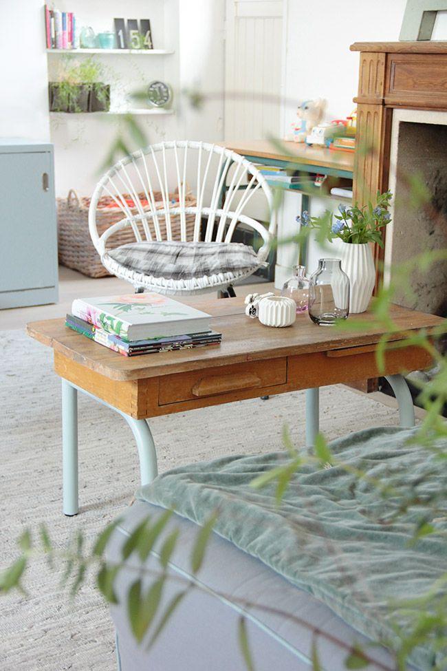Poligöm / Une table basse scolaire