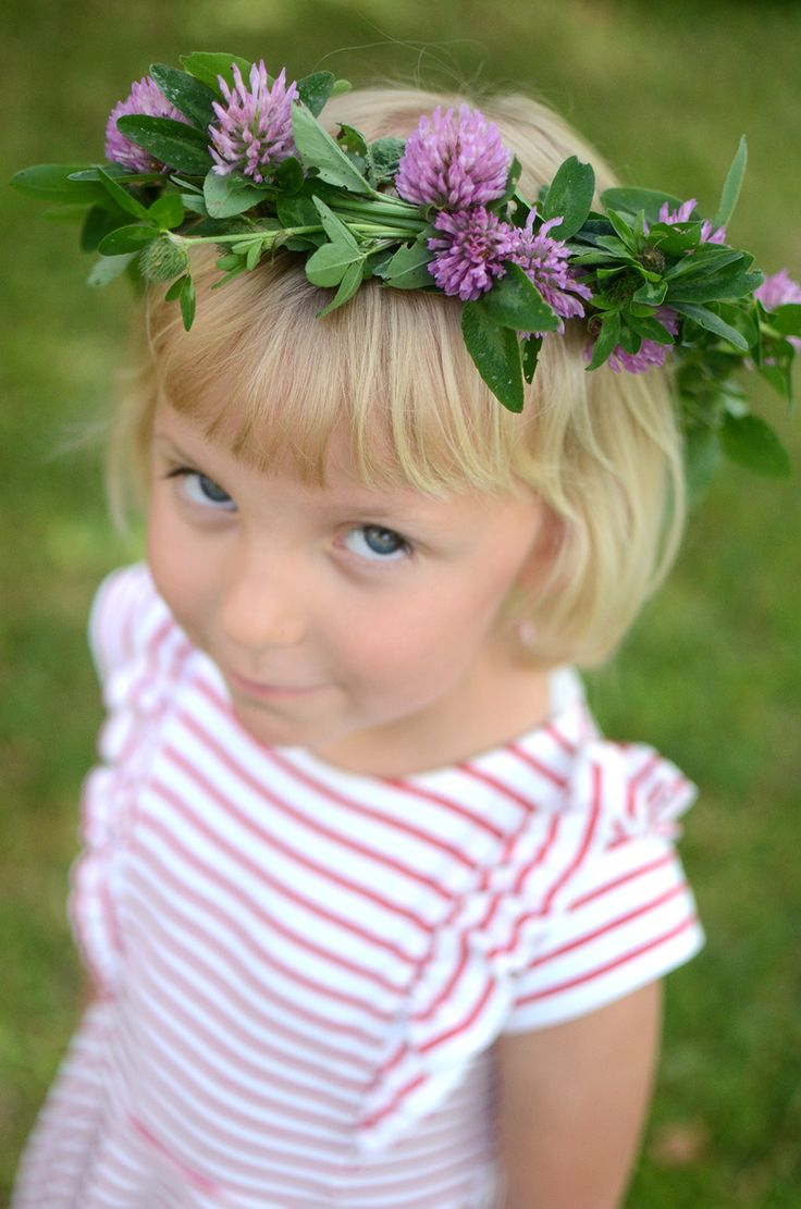 Swedish midsummer, flowers, midsummer wreath, flower wreath,  Binda en midsommarkrans, svensk midsommar, bind blomsterkrans, binda krans, sommarpyssel, midsommar @helenalyth