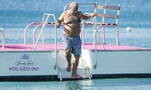 Lonely this Christmas? Sir Shifty spends festive season at home after cancelling his annual Barbados trip in wake of BHS pension scandal | Daily Mail Online