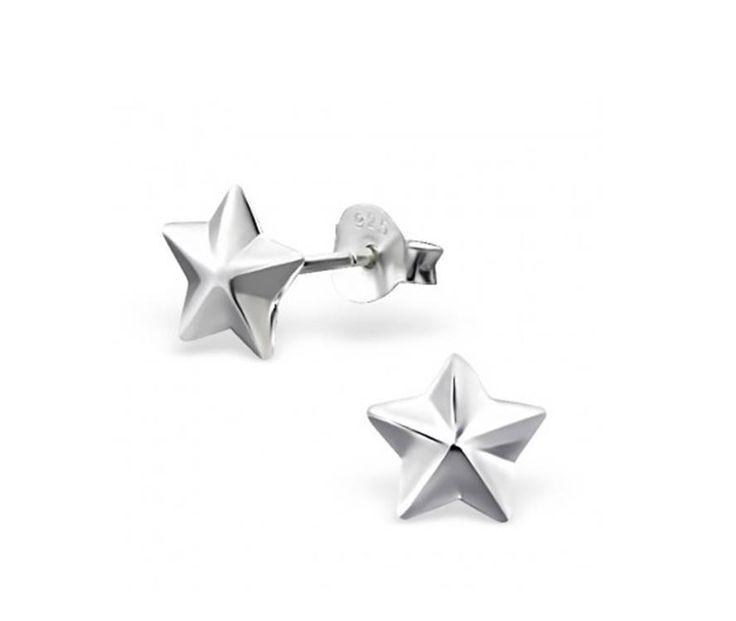 Din Nou In Stoc!! Rasfata-te cu ⭐ Cerceii Star Argint 925 ⭐ !  Cercei adorabili din Argint 925, model popular din stilul minimalist, este un cadou potrivit pentru persoana iubita.  Pret special 🎁 64 lei 🎁 redus de la 80 de lei.  Comanda acum onlne 😘 https://www.bijuteriisiarta.ro/magazin/produs/cercei-star-argint-925 sau telefonic📱 0730799703  #Follow #Fashion #Beauty #Shopping #Happy #Popular
