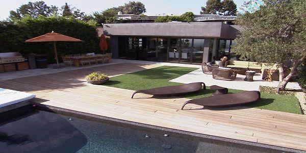 Wondrous Poolside Outdoor Living Room Design