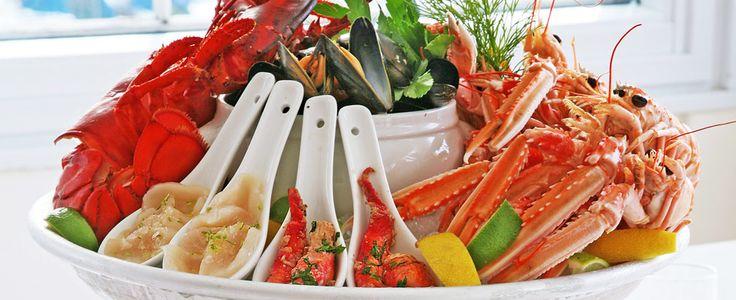 Klassisk skalldyrsfat og klar fiskesuppe