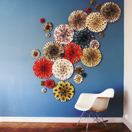 """DiY déco murale / Papiers """"Fleurs"""" Utilisation : déco DiY, guirlande pour déco de chambre, décoration murale, relooking de meubles, scrapbooking, origami... Ici: Rosaces déco. Papier haute qualité imprimé avec des encres à base de soja. 12 feuilles de 50cm x 70cm à 17,50€"""
