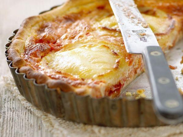 Tarte à la mousse de tomate et au comté
