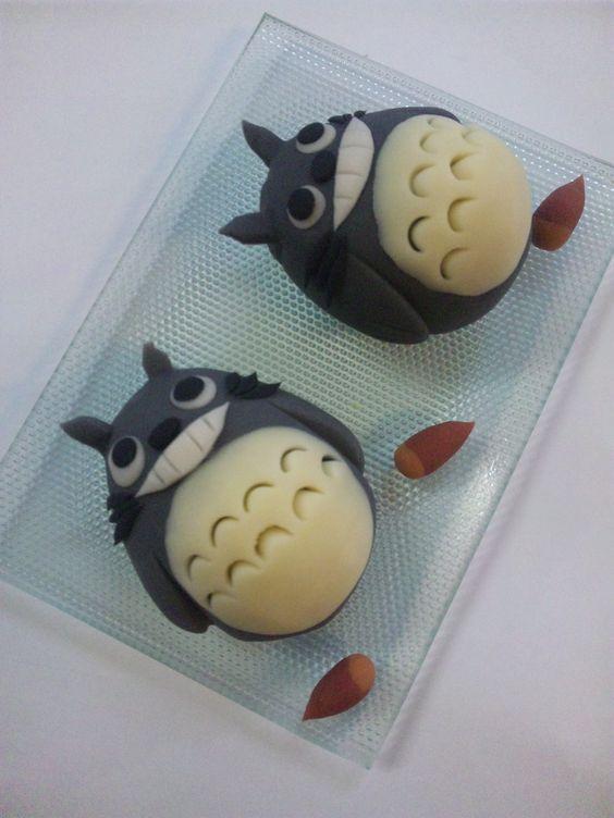 (745) Photo: Japanese Sweets Art of Ghibli Totoro|トトロの和菓子 | japanese candy | Pinterest