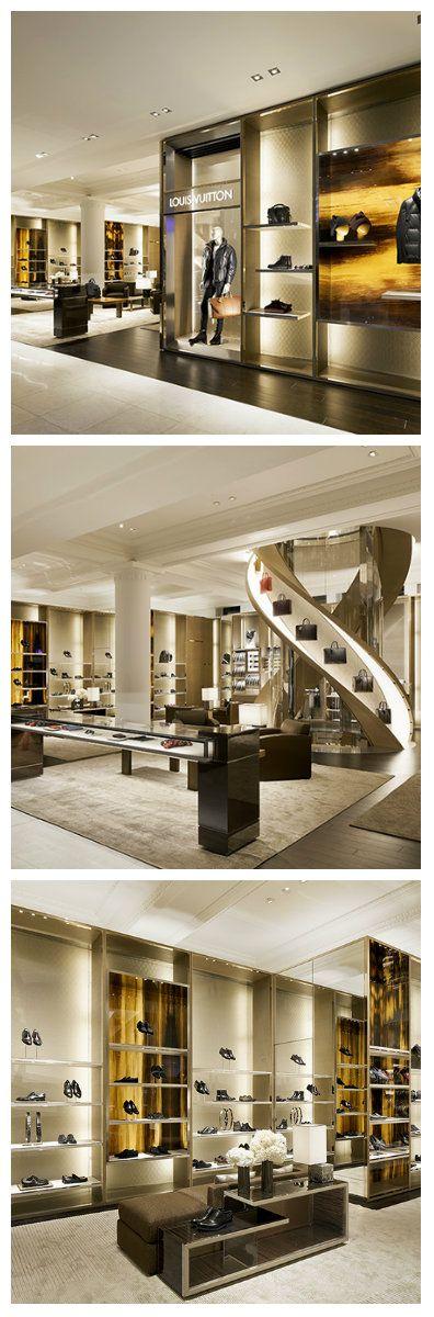 Гламурный бутик в Лондоне - Louis Vuitton, был оформлен светодиодным освещением вполне достойным образом, как и подобает магазину подобного уровня. Великолепные модели обуви, одежды и аксессуаров, обрели свои места на нестандартных полках под софитами led ламп. #освещениебутика #освещениемагазина #подсветкавитрин #светодиодноеосвещение #светодиоды #освещение #подсветка #свет #освещениепомещений #дизайнпомещений #светодизайн #лампы #светодиодныелампы #светодиодныесветильники