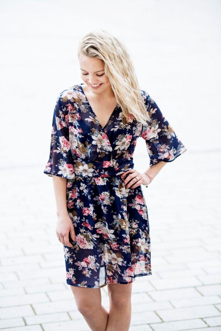MISSMAYA Mina Dress Short Blue Flower