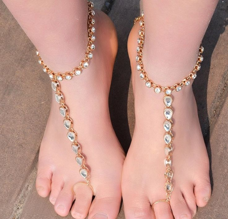 ShopFoot Jewelry for the bride.Barefoot Sandals Gold Payal Anklet with Toe ring.Gold wedding sandals Bridesmaidsweddings on the beach . Beautiful gypsy beach jewelry barefoot wedding jewelry gift for the bride or bridal party     one pair    *made wi