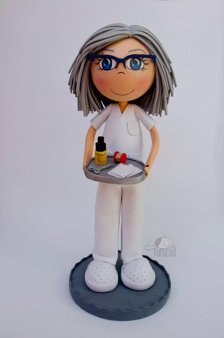 Fofucha enfermera bandeja curas