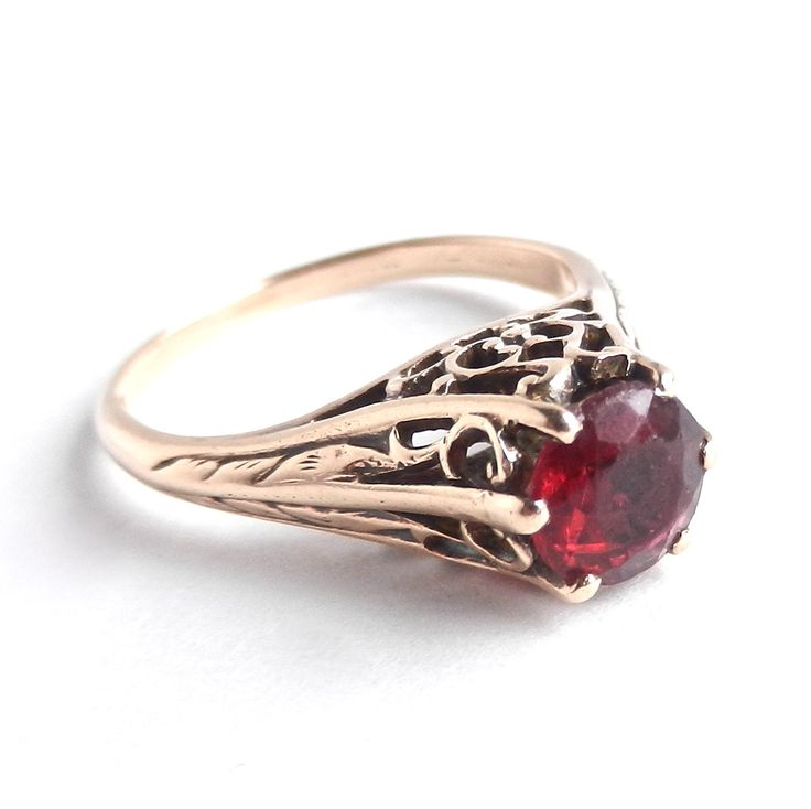 Antique Victorian 10K Gold Ring - Garnet Red Stone Filigree Size 6 Fine Jewelry / Raised Red Solitaire.