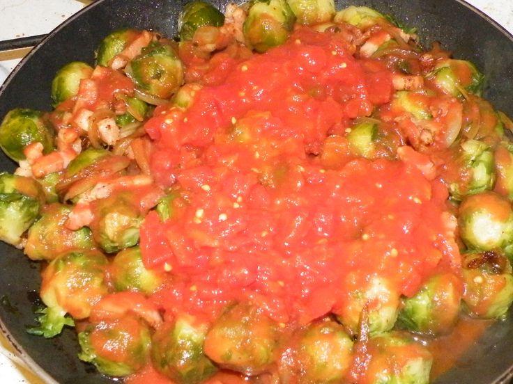 Poêlée de choux de Bruxelle en tomate