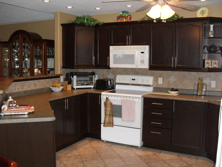 Expresso rustoleum transformation new kitchen cabinet for Cappuccino color kitchen cabinets