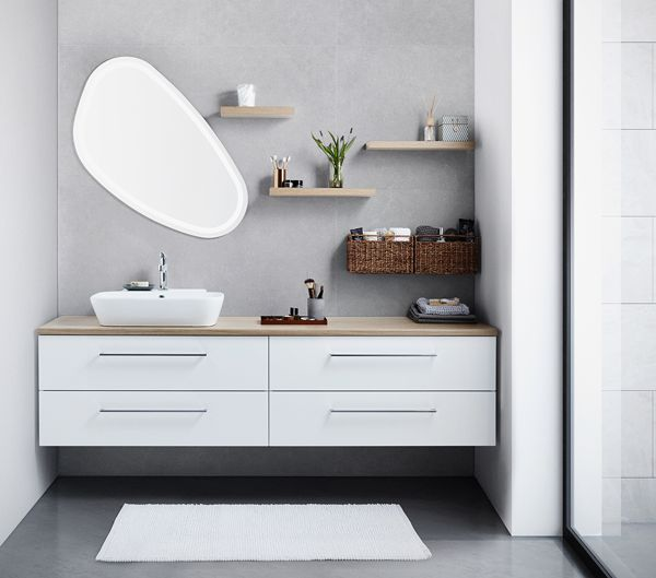 Solo mirror in asymmetric combination with tabletop washbasin. Finish the look with floating shelves and you have almost endless to create your own personal space.