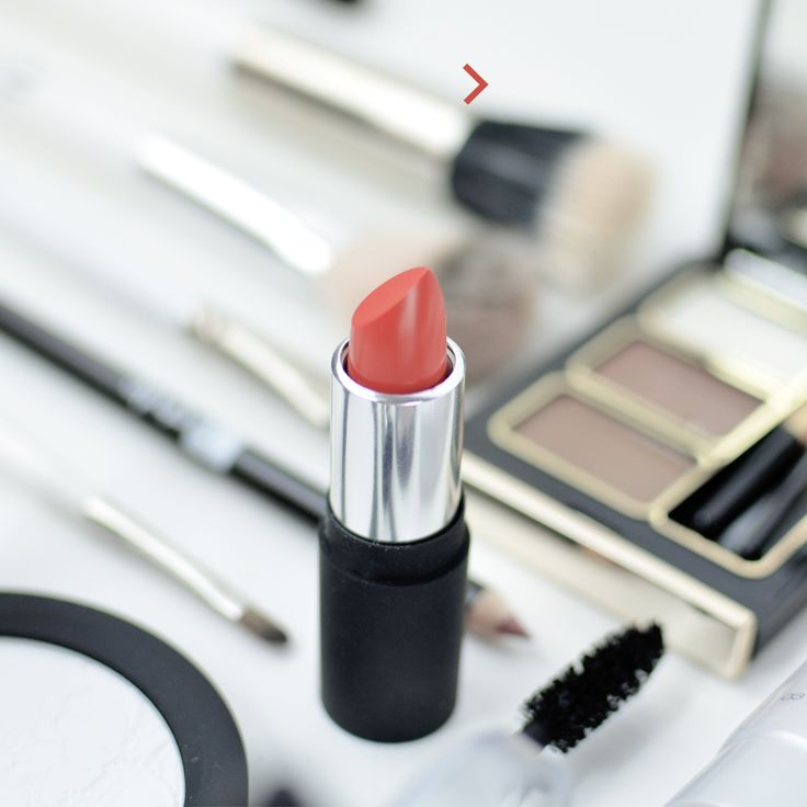 Vos #Rougesàlèvres #itstylemakeup Kit sourcils #perfecteyebrow #crayon #ombresàpaupières #lipstick #cosmetique
