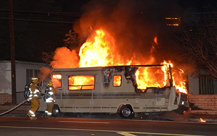 Abandoned motor home burns near LA Valley College in Valley Glen – Daily News