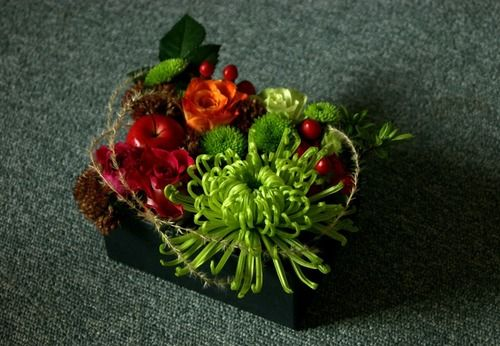 Korean flower arrangement #hanbok #seoulwedding #복주머니 #플라워클래스 #프렌치스타일 #플라워스쿨 #花束 #꽃놀이 #꽃스타그램 #flowerstagram #취미꽃꽂이 #꽃배우기 #花 #ブーケ #frenchflorist #꽃
