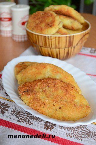 Вкусные и румяные картофельные зразы с грибами приготовленные на ужин
