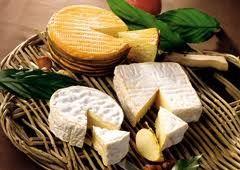 Quelle différence entre un fromage au lait cru et un fromage au lait pasteurisé ?