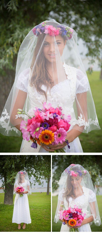 Sehr romantisch: Eine Hochzeit im Dirndl ---- How romantic: The bride wears dirndl