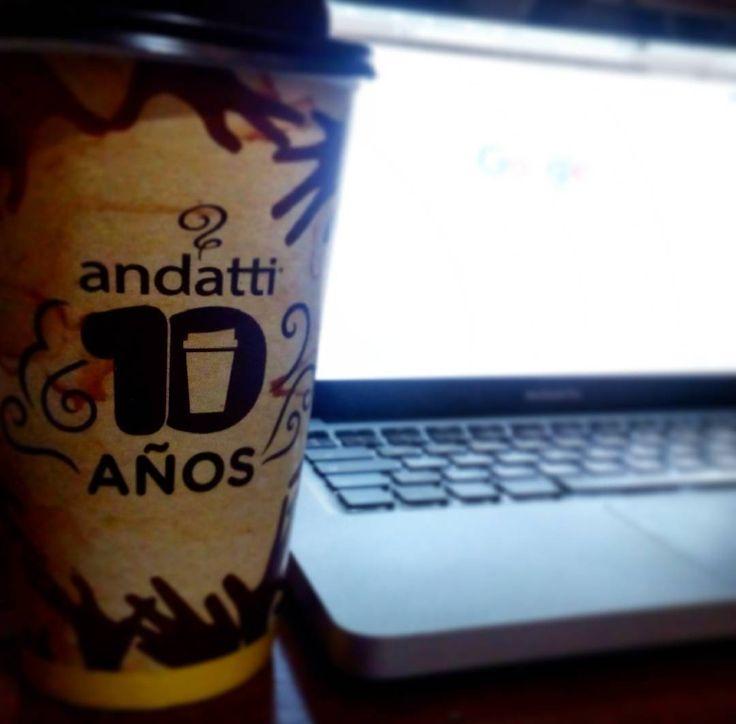 Doble turno un poco de café para despertar y no pensar  #cafe #coffee #work #trabajo #workstation #noche #night #mac #apple by black_emm