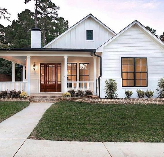 Cozy Home // Wrap Around Porch // White Exterior // Home