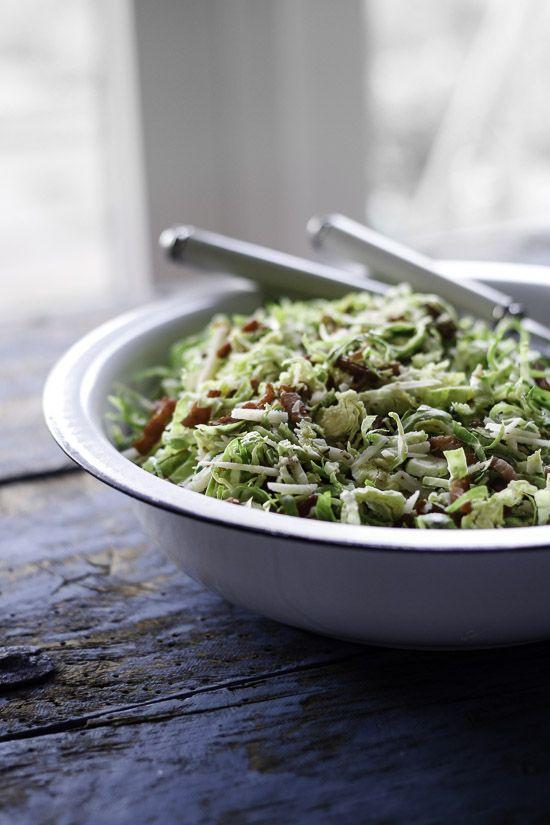 En nem og sund salat som er perfekt tilbehør til julemaden - især en lækker salat til and.