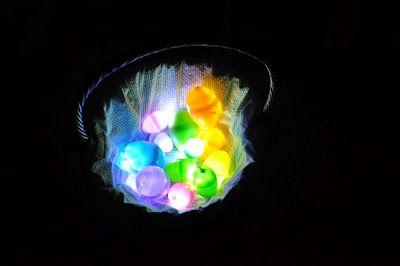 Illuminated Easter egg hunt! So fun!: Small Lights, Plastic Eggs, Dark Easter, Dark Eggs, Easter Egg Hunt, Mom Llc, Illuminated Easter, Easter Eggs Hunt'S, Cool Ideas