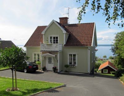 Best Light Green Siding And Red Tiled Roof Retirement Home 400 x 300