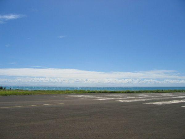 Sainte Marie Airport 002.jpg
