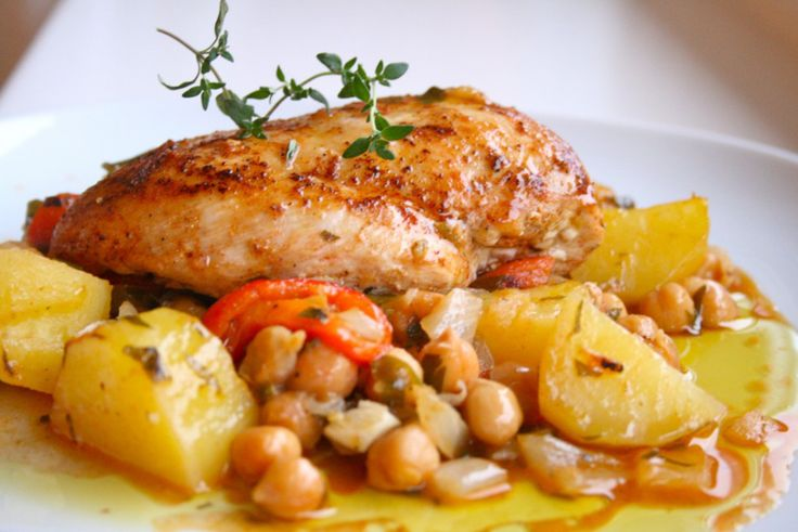 Spansk potet- og kikertgryte med røkt paprika og kylling – Maj-Britt Aagaard