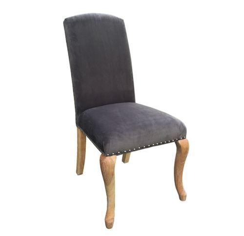 Lekker og klassisk Lauren spisestol i grå velour med et moderne innslag av nagler og med ring på stolrygg.