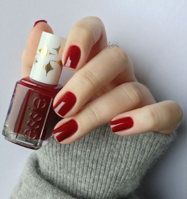"essie ""bold beauty"" – deep red #nail polish / lacquer / vernis from the Retro Re… essie ""bold beauty"" – deep red <a class="