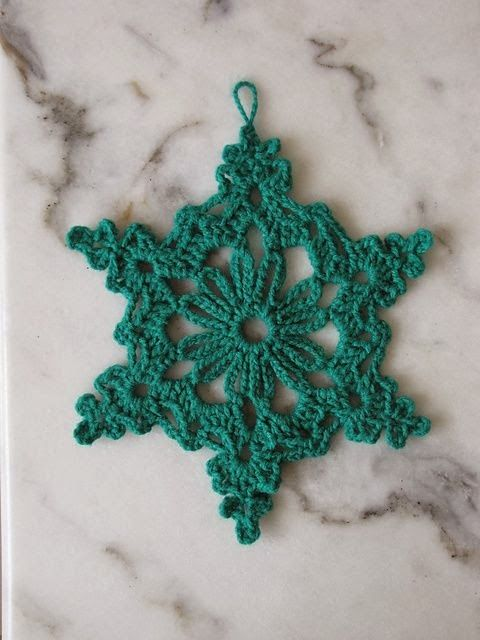 Chain Loop Snowflake Already thinking about Christmas...