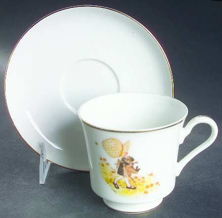 hollyhobbie  cups and saucers   HOLLY HOBBIE GIRL WITH CAT at Replacements, Ltd