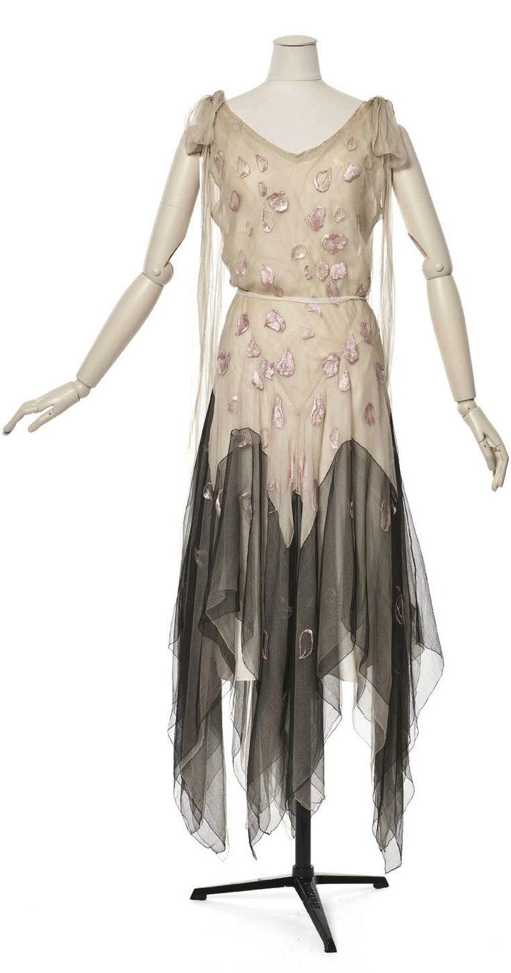 Vionnet evening dress, 1929 From Les Arts Décoratifs via Europeana Fashion