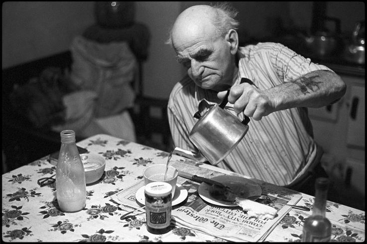 Archie Parkhouse at the breakfast table, Millhams, Dolton, September 1976.  Photograph by James Ravilious © Beaford Arts
