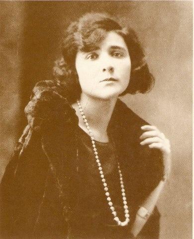 Florbela Espanca -- girl, what a name!