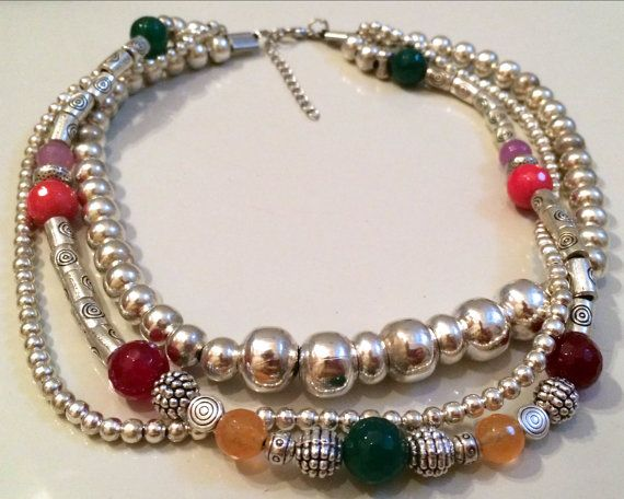 GIrocollo a 3 fili con perle in metallo e agata di AnotherLAgrein