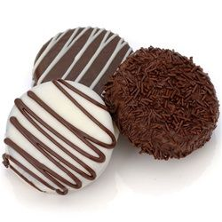 Chocolate_oreos | How to make chocolate covered Oreo cookies | http://www.gourmet-cookie-bouquets.com/design/how-to-make-chocolate-covered-oreo-cookies/