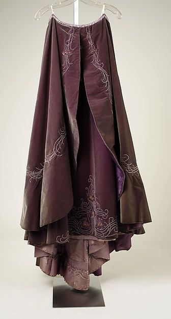 Promenade dress, taupe and plum colors, embroidered silk velvet, lace, 1898-1899