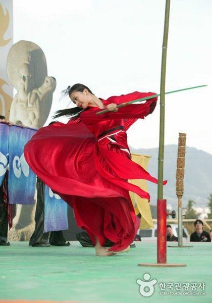 육체의 힘을 넘어 무도의 강인한 정신까지 전해지는 곳, 충청북도 충주 세계무술축제