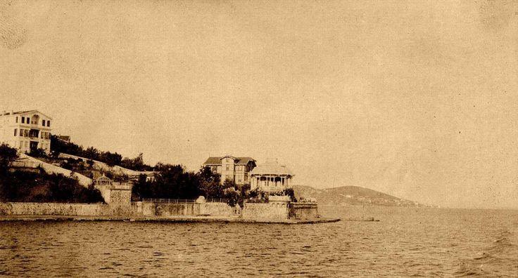 Eski İstanbul / Burgazada http://ift.tt/1X6sUfE