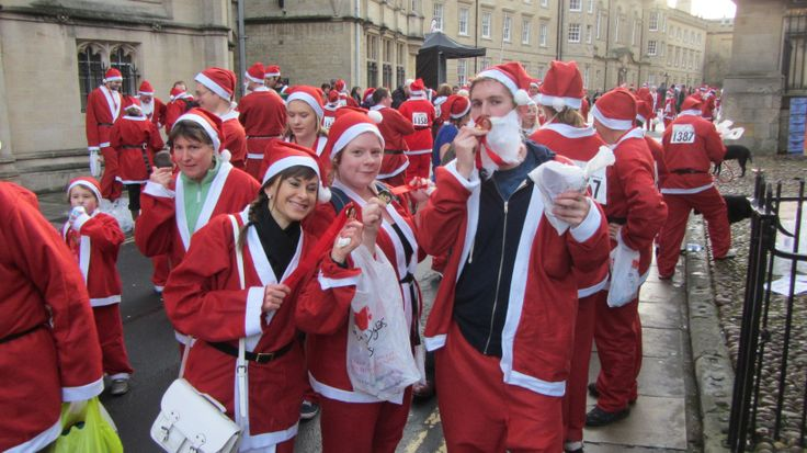 The OXCOM team took part in the Oxford Santa Run 2013!