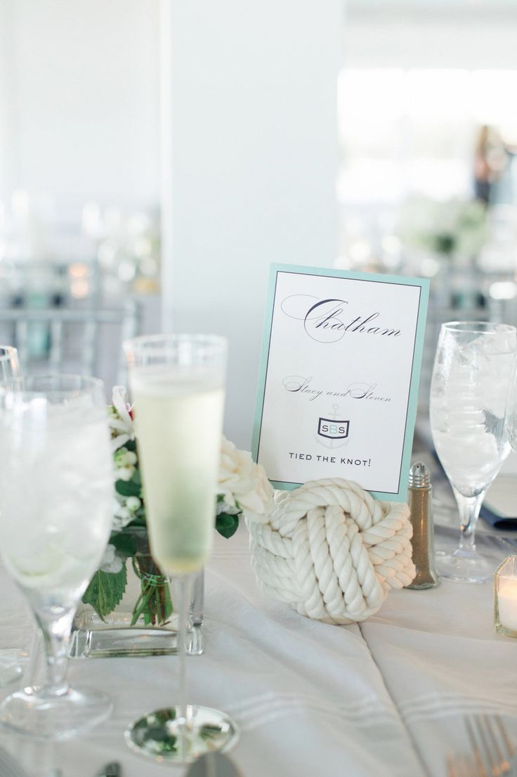 Love this #nautical rope centerpiece for a Cape Cod affair   Photography: www.trentbailey.com   Planning: www.desireespinnerevents.com   Floral Design: www.sayleslivingstonflowers.com